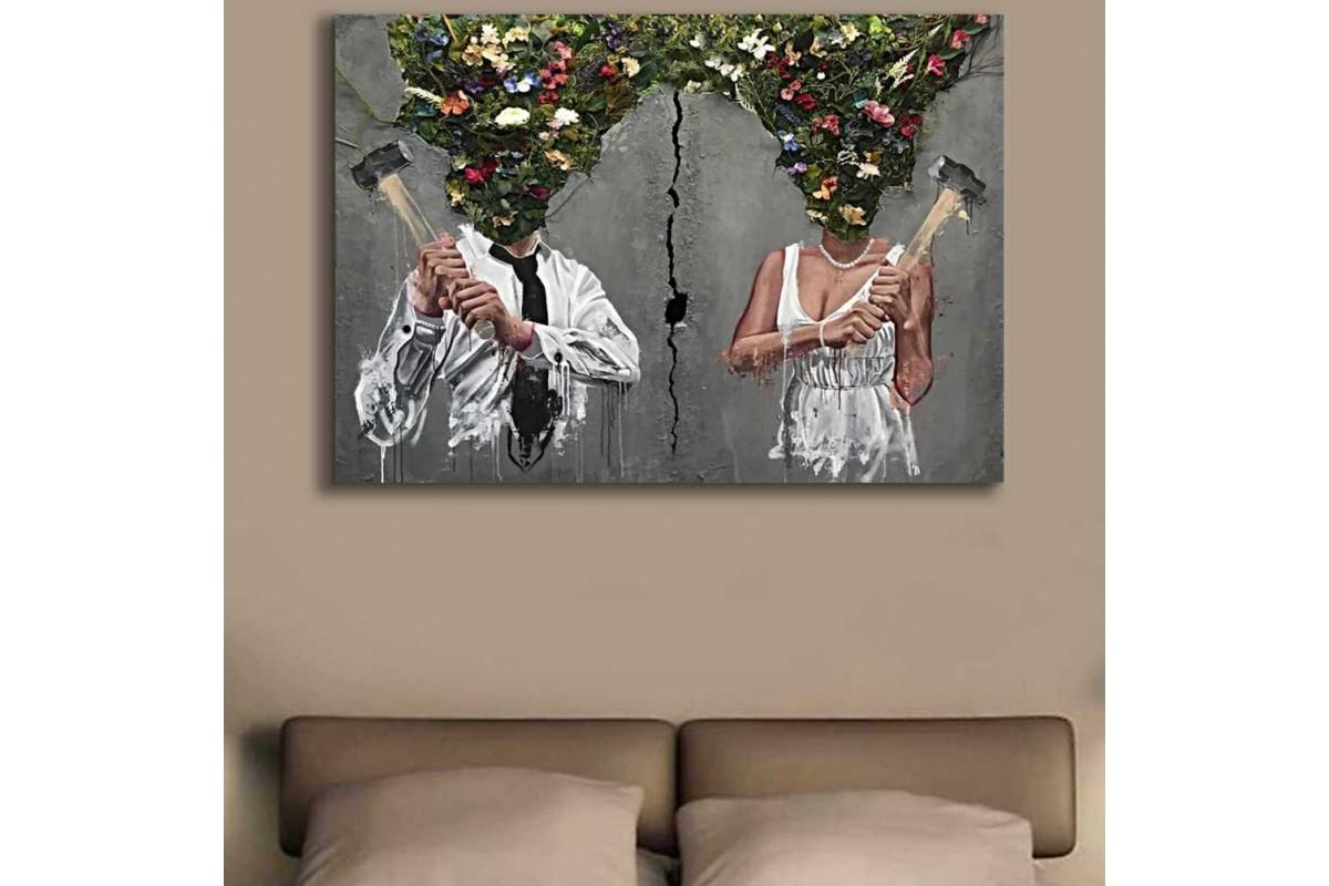srks75 - Çiçek Başlı ve Balyozlu Kadın ve Adam Şiddetli Aşk Kanvas Tablo