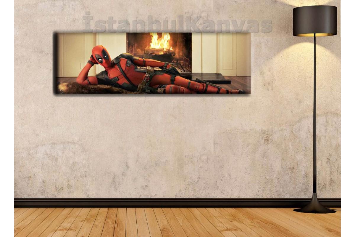 wsh2 - Şömine Önünde Yatan Deadpool, Çizgi Roman, Süper kahraman kanvas tablo - 25x80cm