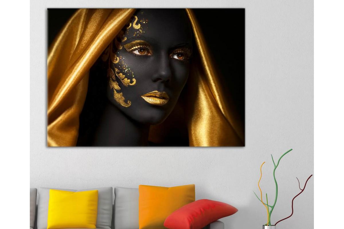 srda13 - Afrikalı Siyahi Kadın ve Altın Eşarp ve Süslemeler Kanvas Tablo