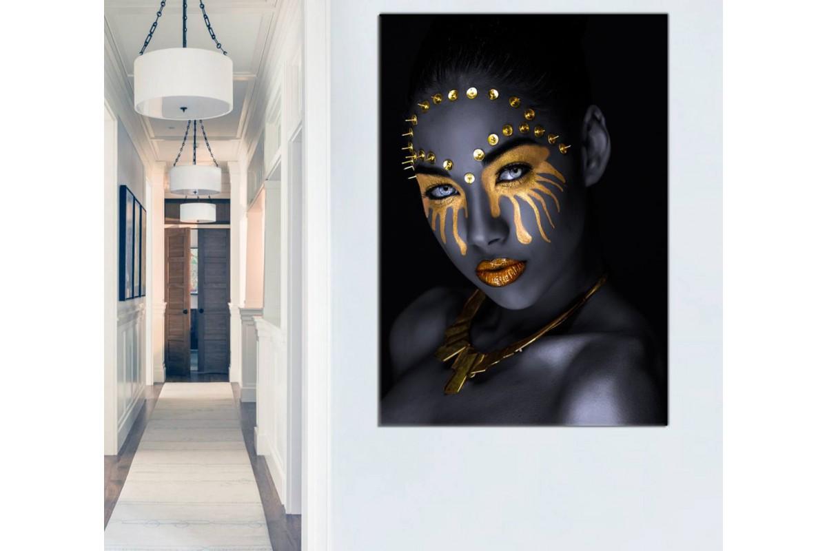 Srda22 - Altın ve Siyah Makyajlı Afrikalı Kadın ve Altın Takılar Kanvas Tablo